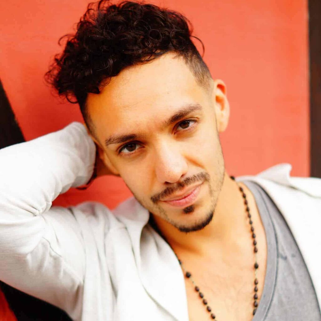 Casa Bailar Maykel Fidel Danseunderviser Bachata & K-pop